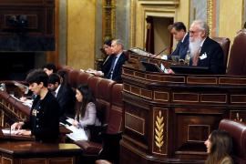 La Diputada de ERC cita a los cargos presos antes de leer la lista de los electos
