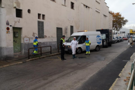 Una anciana, herida muy grave tras ser atropellada por un camión de Emaya
