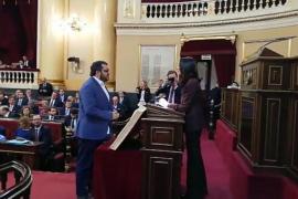 Vicenç Vidal promete su cargo de senador «por imperativo legal» y «sin renunciar a derecho de autodeterminación»