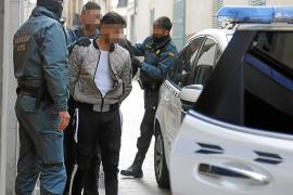 Detenidos seis jóvenes acusados de abusar de dos menores en Cala Rajada