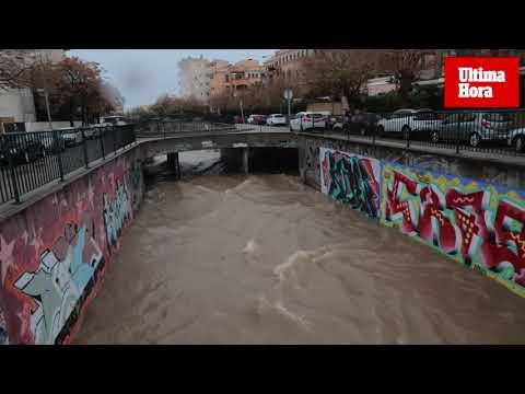 Los torrentes de Palma, a rebosar por las lluvias