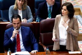 La presidenta de Madrid acusa a Vox de racista