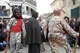 Mujeres 'dimoni' en Manacor