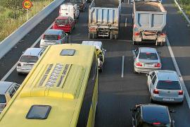 El Govern bonificará el transporte público a quien dé de baja un coche