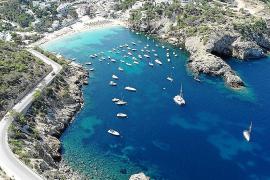 El GEN-GOB identificó unas 63 embarcaciones de media en época estival en Cala Vedella