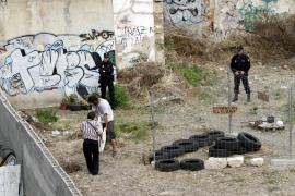 Desalojados los miembros de 'Toma la Ciudad' del huerto urbano de la Casa del Pueblo