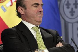 El Gobierno subirá el IVA y los impuestos especiales en 2013