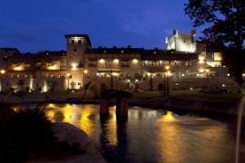 Relax, escapada romántica o turismo en familia en el entorno histórico de La Alberca