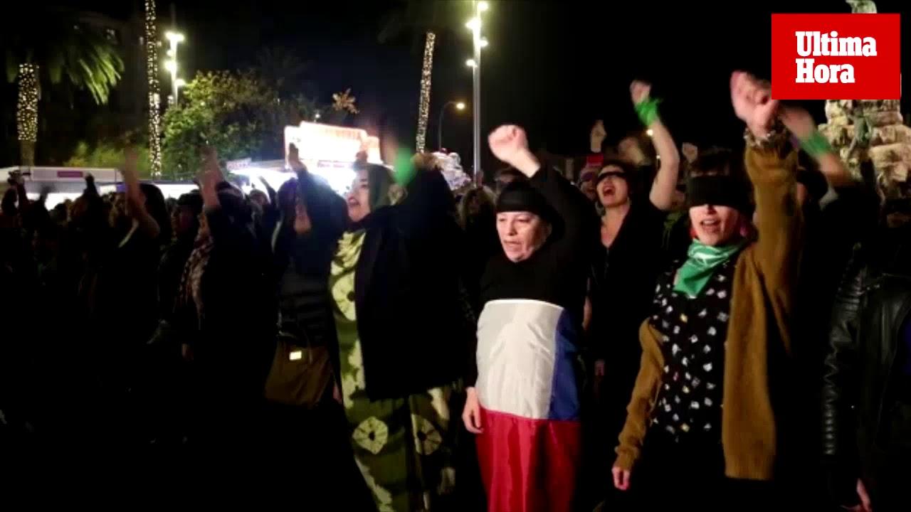 Mallorca entona el grito feminista de 'Un violador en tu camino'