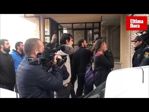 El desahucio de Oscar K. Szczesniak y su familia termina con una denuncia en Policía