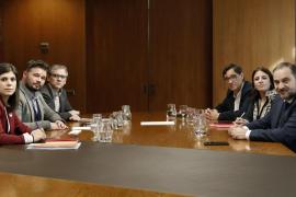 Termina con «avances» para encauzar el futuro político de Cataluña la reunión entre ERC y PSOE