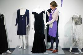 El icónico vestido de la princesa Diana se vende por más de 250.000 euros