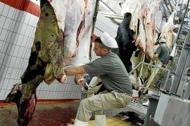 Cort trabaja en un convenio exprés para pagar la subvención al matadero