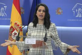 Arrimadas defiende un pacto entre el PSOE, el PP y Ciudadanos para dar «estabilidad»