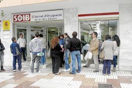 Una de cada cuatro personas que busca un empleo en las Islas es extranjera