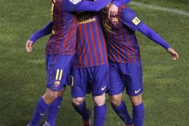 El Barcelona pospone con una goleada el alirón del Real Madrid