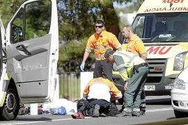 Un motorista de 27 años fallece en Eivissa al chocar contra un coche