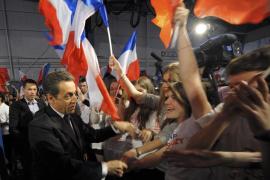 Aumenta la inquietud en el partido de Sarkozy por sus guiños a la ultraderecha