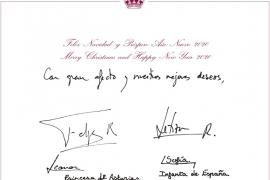 Los Reyes y sus hijas felicitan la Navidad desde un pueblo ejemplar asturiano