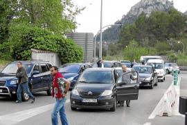Activistas de Albaïna colapsan los accesos al túnel de Sóller en una acción contra el peaje