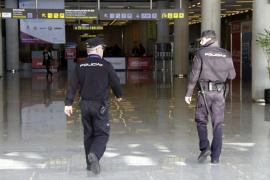 Detenido por camuflarse de turista y robar a los viajeros en el aeropuerto de Palma
