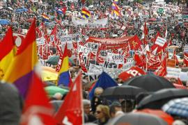 CCOO y UGT avisan a Rajoy: «Seguirán las protestas en la calle hasta que esto cambie»