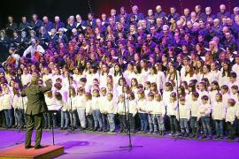 Gran fiesta de la Navidad de los coros de la UIB en el Auditòrium de Palma