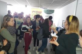 Alumnes de 3er d'ESO de l'IES Manacor varen visitar Grup Serra i AgroMallorca