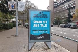 Retiran los carteles de Tsunami Democràtic de las marquesinas de Barcelona
