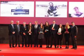 Nuria Iturrioz, premiada en la Gala del Golf español