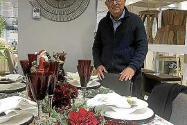 Tomeu Català, en la presentación de su mesa de Navidad: «Vivo y seguiré viviendo en solidaridad»