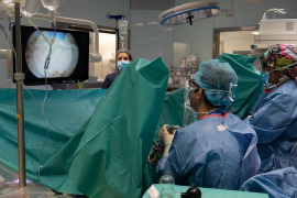 El Clínic realiza por primera vez en el mundo una cirugía endoscópica en 3D