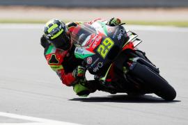 El piloto de MotoGP Andea Iannone, suspendido por dopaje
