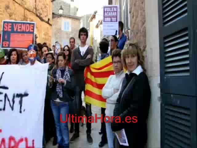 Bauzá acusa a los socialistas de «agitar la calle» y les llama «profesionales del 'sin pa'»