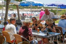 Los salarios de Baleares se estancan en plena temporada turística