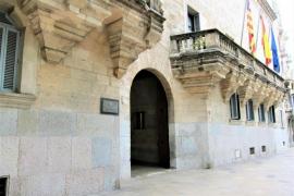 Juzgan a puerta cerrada a un joven fotógrafo por corrupción de menores en Palma