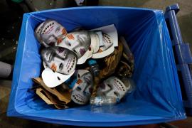 Decomisan cartulinas de Tsunami Democràtic a la entrada del Camp Nou