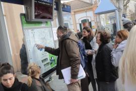 Las historias de los pasajeros tras la revolución en las líneas de la EMT de Palma
