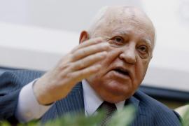 Gorbachov ingresa en un hospital por una neumonía