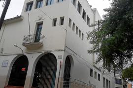 Los padres del colegio sa Torre de Manacor, en pie de guerra por el retraso de las obras