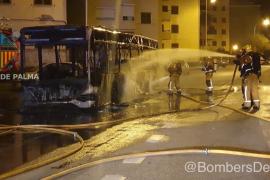Arde un autobús de la EMT en Sa Indioteria