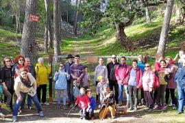 Una treintena de personas reclaman la reapertura y restauración del Molí des Castellet