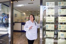 La alegría de los premiados por la Lotería en Ibiza, en imágenes .