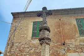 La restauración de las Creus de Terme de Sencelles, pendiente de Patrimonio
