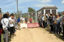 Manifestación contra el cierre del Camí de ses Forques en el linde de Consell con Santa Maria