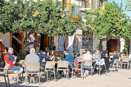 Papá Noel regala a la isla de Ibiza tiempo primaveral para el día de Navidad
