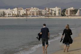 Baleares presenta el mayor descenso de turistas internacionales en febrero, con una caída del 18,6%