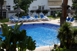 Ninguno de los fallecidos en la piscina de Mijas sabía nadar