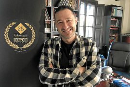 El autor y editor Vicente García