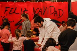 Los talleres de Nadal en el CEIP l'Urgell, en imágenes .